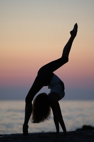 dance-flexible-rhythmic-gymnastic-stretch-Favim.com-672931