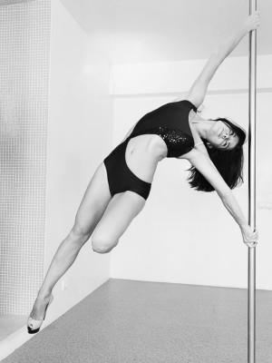 tanec-na-pilone-pole-dance