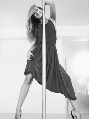 pilon-x-pole-‒-nadezhnyj-i-udobnyj-trenazher-dlya-zanyatij-pole-dance