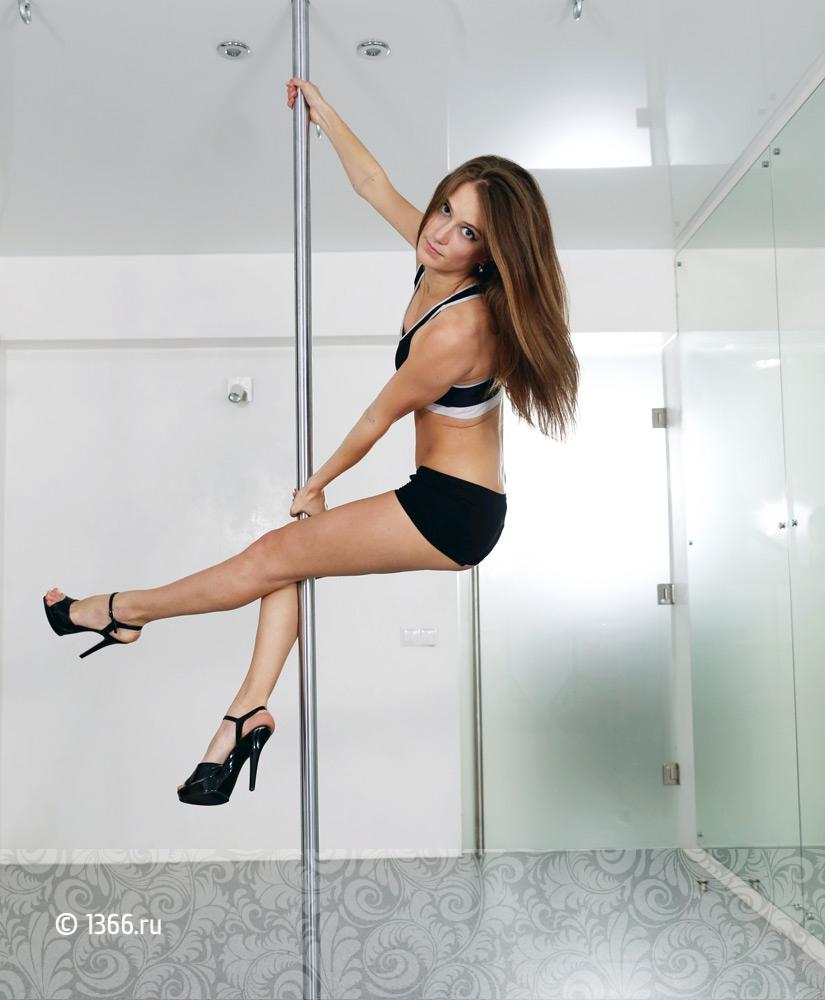Акробатика на пилоне фото