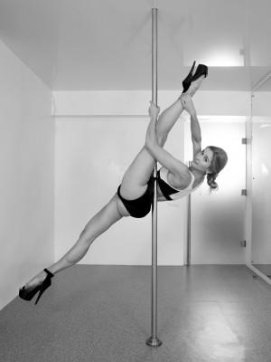 pole dance Москва, танцы на пилоне школа