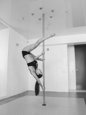 элементы pole dance