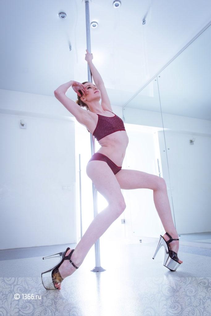 Приватный танец позы фото, порно властный начальник взял напористо секретаршу