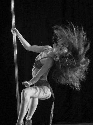 Бурлеск в pole dance